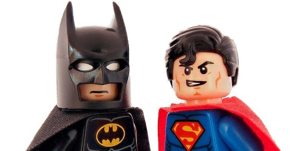 Lego Batman vs Lego Superman