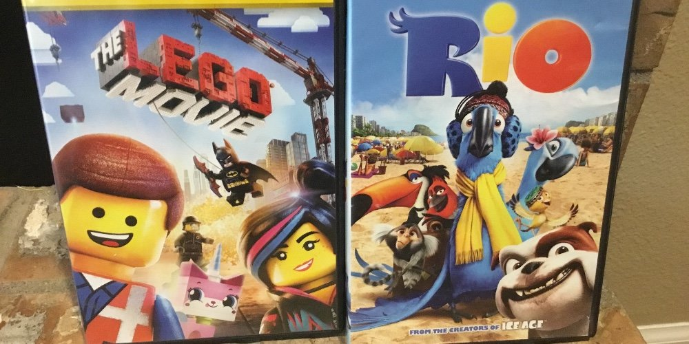 The LEGO Movie vs Rio